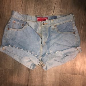 Distressed Levi cutoff shorts